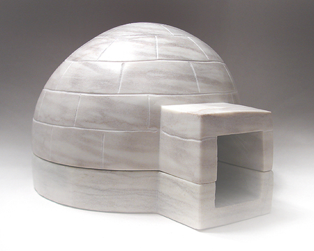 IGLOO WITH REMOVABLE LID